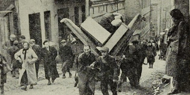 Jews Forced Behind Ghetto Walls – Bendzin Ghetto