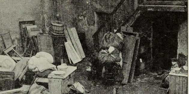 Jews Sleeping in the Streets of the Bendzin Ghetto