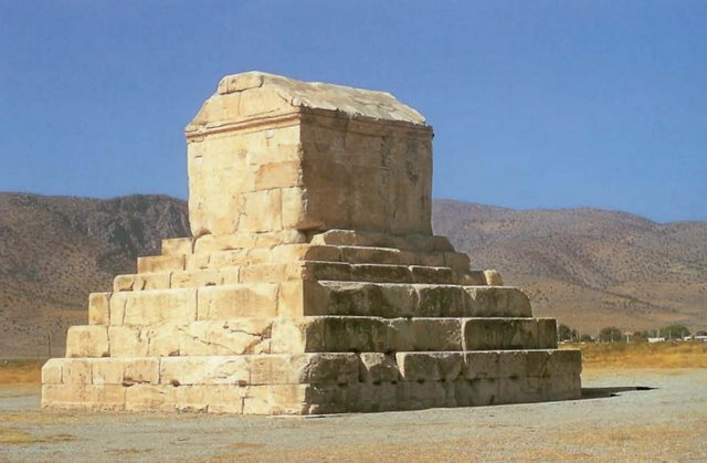 Tomb_of_Cyrus