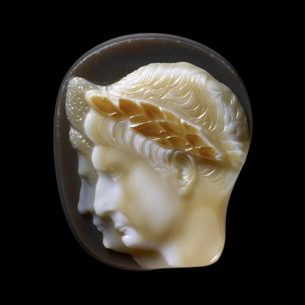 Cameo_of_Trajan_and_Plotina