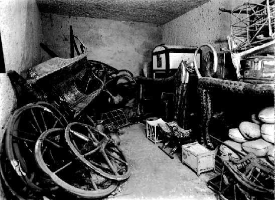 Tutankhamen's_Chariot