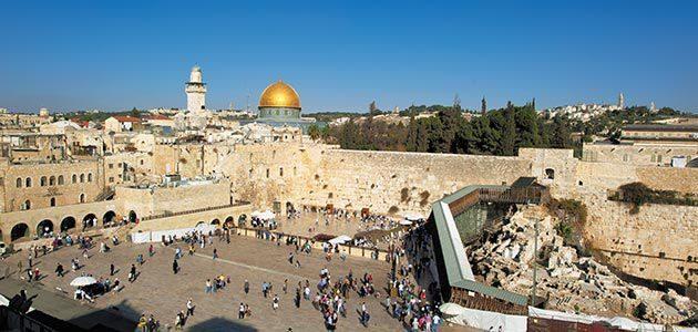 November 2010 Al-Mutawakel Taha denies Jewish association with Western Wall