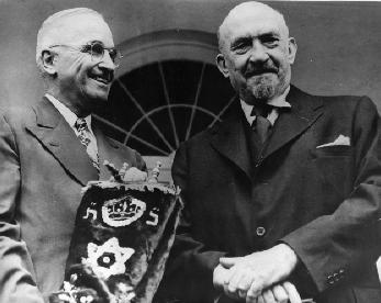 Weizmann Truman 1948.jpg